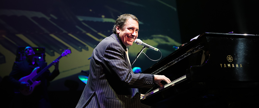 JOOLS HOLLAND AND HIS RHYTHM & BLUES ORCHESTRA watford colosseum dec. 2020
